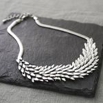 normal_silver-metal-feather-necklace (1)